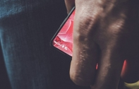 Essential Phone มือถือไร้ขอบจากผู้ให้กำเนิด Android อาจเปิดตัว 30 พ.ค. นี้ คาดจัดเต็มด้วยชิป Snapdragon 835 RAM 4GB และกล้อง 12 ล้าน