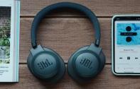 [รีวิว] JBL LIVE 500BT หูฟังไร้สายแบบ Over-Ear เบสแน่น รองรับ Google Assistant และ Voice Assistant สั่งการด้วยเสียง พร้อมแบตอึด 30 ชั่วโมง เคาะราคาที่ 5,990 บาท
