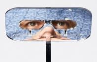 ชมสิ่งประดิษฐ์ดีไซน์แปลก กับ One Foot Taller แว่นตากล้องปริทรรศน์ สามารถชมการแสดงด้านหน้าได้อย่างชัดเจนแม้จะมีคนมายืนบัง ง่าย ๆ แค่สวมแว่น