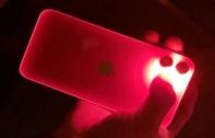 ผู้ใช้ iPhone 11 บางส่วนพบ กรอบตัวเครื่องเรืองแสงเมื่อเปิดใช้ไฟแฟลชและอยู่ในที่มืด