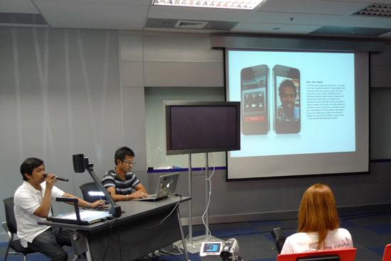 iphone-4-meeting-05