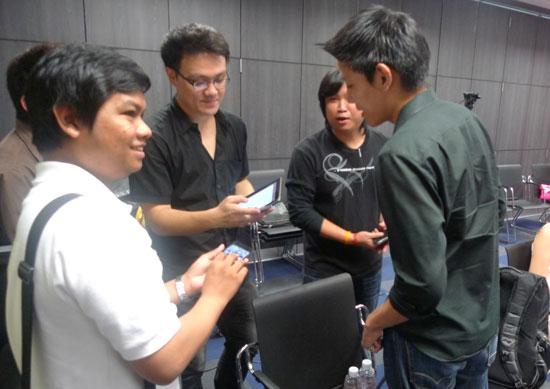 iphone-4-meeting-11
