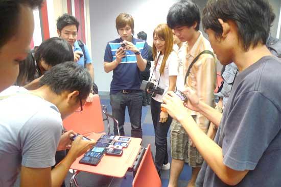 iphone-4-meeting-12