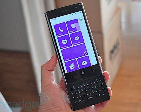 Dell Venue อีกหนึ่ง Windows Phone 7 ที่น่าสนใจ