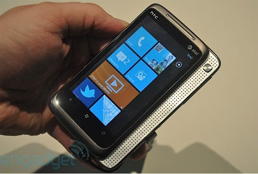 HTC Surround มาพร้อม Windows Phone 7
